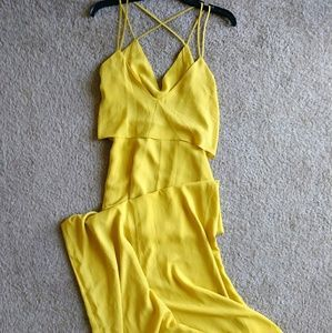 Spaghetti cross strap maxi dress